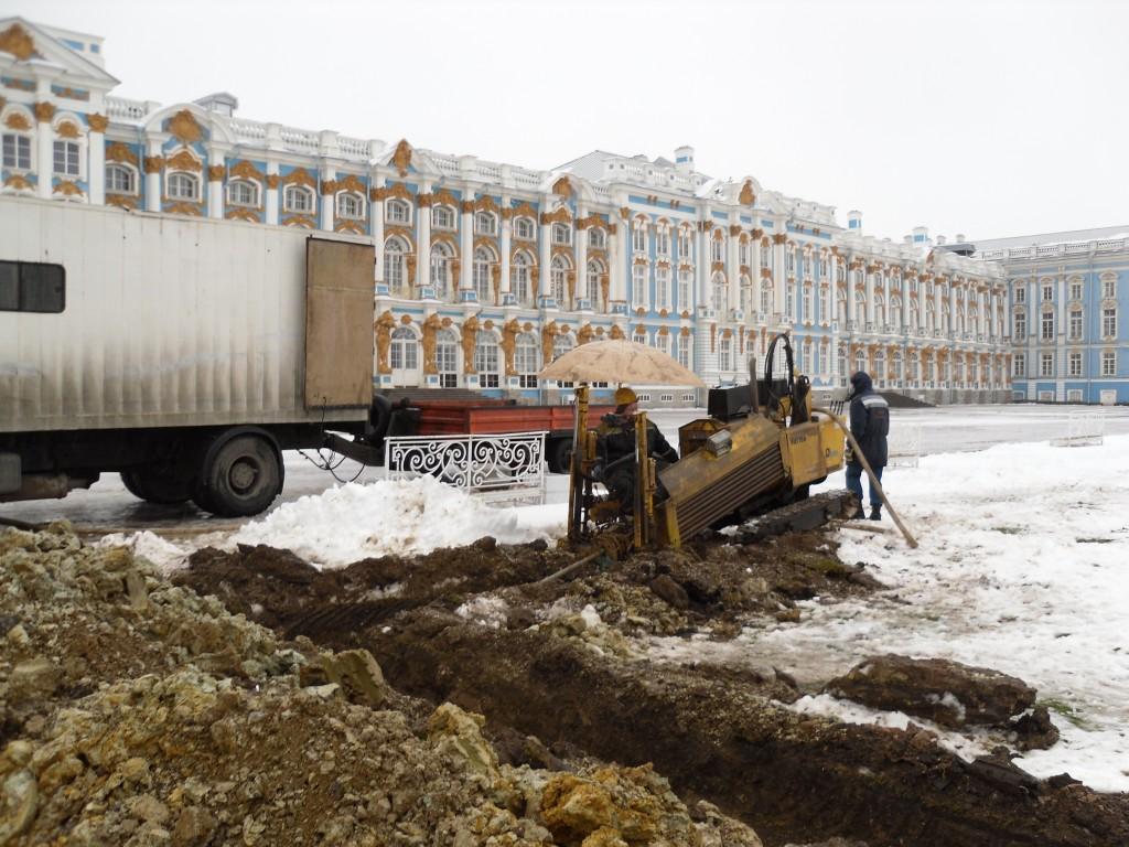 Бурение на Парадном плацу у Екатерининского дворца